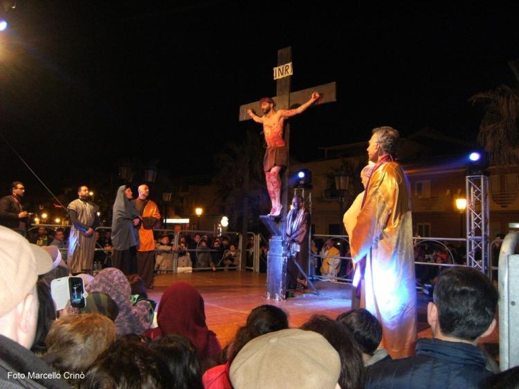 Via Crucis in forma teatrale a Barcellona Pozzo di Gotto