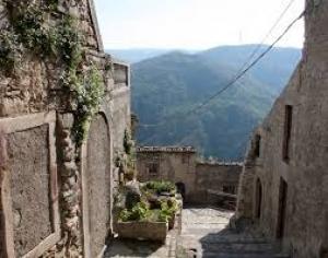 Breve storia del borgo di Montalbano Elicona dalle origini ai tempi moderni-con particolare rilevo al federiciano di Giovanni Albano. -  V parte.