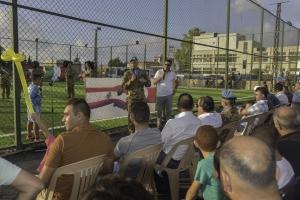 La Brigata Aosta in Libano riceve le chiavi di Majda Zun. Progetto del contingente italiano della missione in Libano UNIFIL per realizzare un campo di calcio a Majda Zun