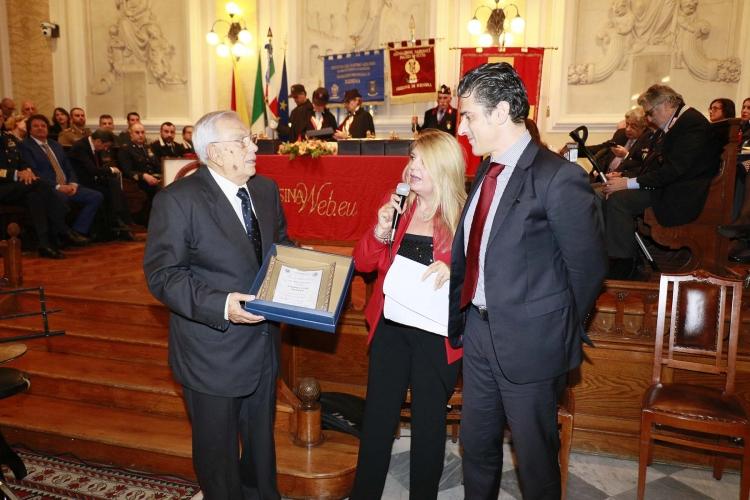 """Messina 6.12.2018 -  Premio Orione - Targa di ringraziamento al """"KIWANIS CLUB MILAZZO""""."""