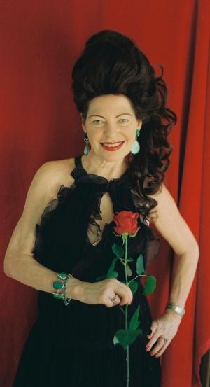 Il nuovo libro  di Nicole Rose. Eruzione erotica. Tra poco anche in Italia, Il critico italiano Maria  Teresa Prestigiacomo