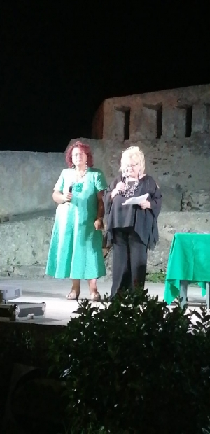 Una targa alla memoria di Rosalba Caminiti pittrice scomparsa  da Melina Scarcella. Primo premio poesia a Palma CIVELLO