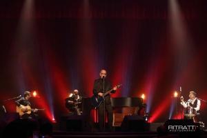 Barcellona Pozzo di Gotto: Enrico Ruggeri coinvolge la platea del Teatro Mandanici