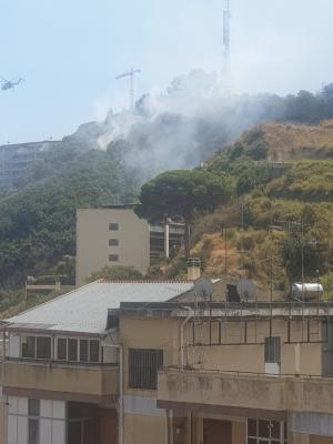 Messina - Incendio domato a Gravitelli tra il Grace e l'Aralia