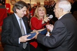 Messina 6.12.2018 - Premio Orione - Targa di ringraziamento al Prof. Salvatore Cuzzocrea, Presidente dell'Accademia Peloritana dei Pericolanti.