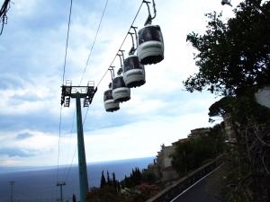 """Dopo controlli Ustif (Ufficio speciale trasporti impianti fissi) la funivia """"Taormina - Mazzarò"""" è tornata al suo normale andirivieni"""