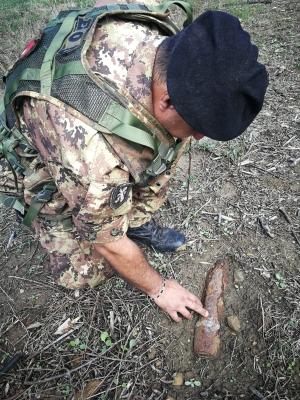 RITROVATO RESIDUATO BELLICO A CENTURIPE (EN), INTERVIENE L'ESERCITO. I Guastatori del 4° Reggimento Genio distruggono l'ordigno