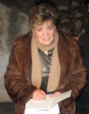 NELL'AULA CONSILIARE DI BARCELLONA POZZO DI GOTTO SARA' PRESENTATA L'OPERA LETTERARIA DI TERESA RIZZO. Poesia e teatro della scrittrice messinese