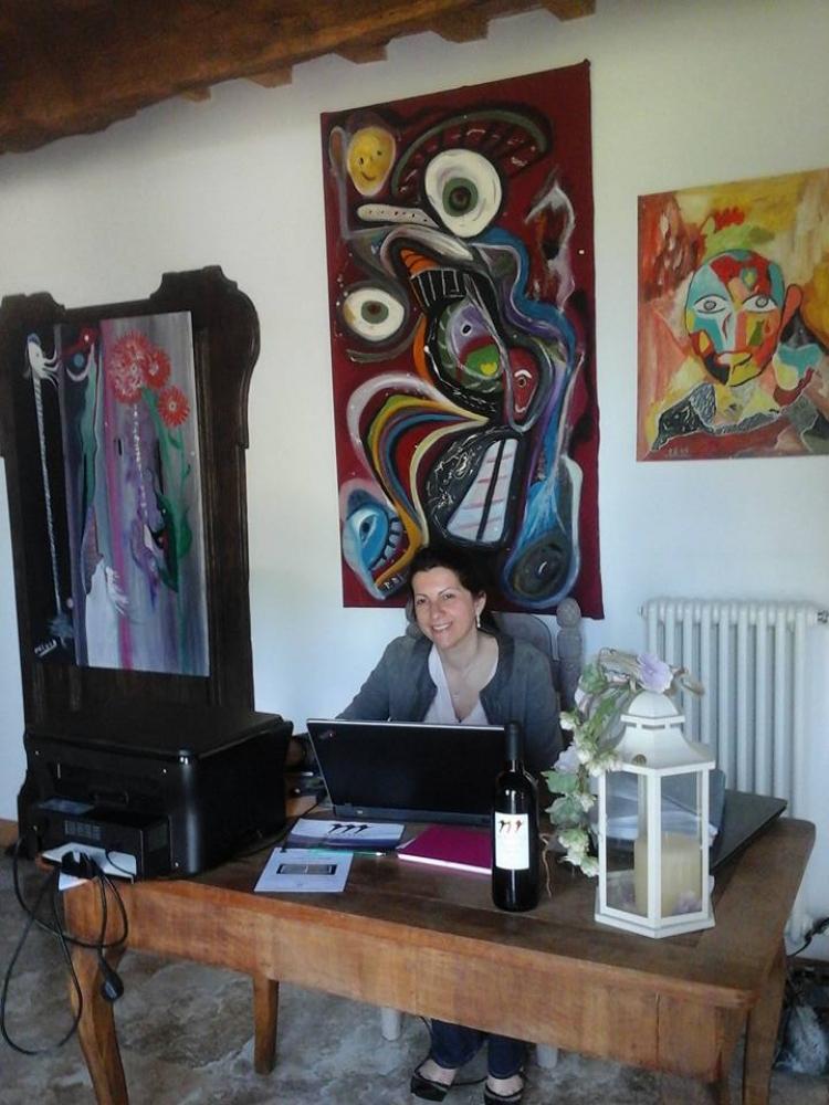 Intervista alla poetessa, pluripremiata scrittrice di Ravenna, Alessandra Maltoni. Con la poetica che salverà il mondo