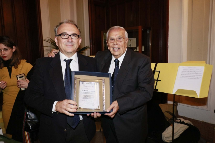 """Messina 6.12.2018 - Premio Orione - si ringraziano i componenti del Coro  Conservatorio """"A. Corelli """" di Messina - Direttore:  M° Michele Amoroso."""