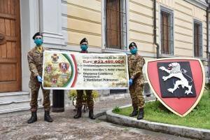 """Esercito e solidarietà nell'emergenza Coronavirus A Messina i reparti della Brigata """"Aosta"""" consegnano un assegno per l'acquisto di due respiratori al Policlinico """"G. Martino"""""""