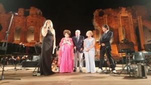 Tiziana Rocca e event Tao con Michel Curatolo grandioso successo  al Teatro antico di Taormina