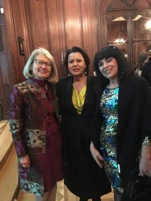 S.E.il  Console Generale  Dott.ssa Emilia Gatto Al Consolato Generale d Italia in Francia Con Maria Teresa Prestigiacomo e la pittrice Morena Meoni