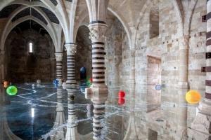 Alfredo Pirri, 'Passi - Castello Maniace', 2021 - Still da video © Pietro Leone