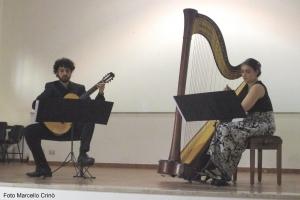 Barcellona Pozzo di Gotto: il concerto del duo ClaroScuro, Roberto Guarnieri alla chitarra, e Morgana Rudan all'arpa